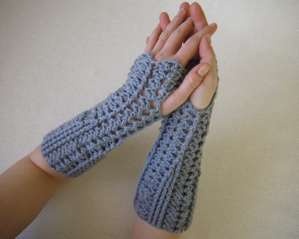 Crochet Patterns Gloves : CROCHETED FINGERLESS GLOVE PATTERNS - Crochet and Knitting Patterns
