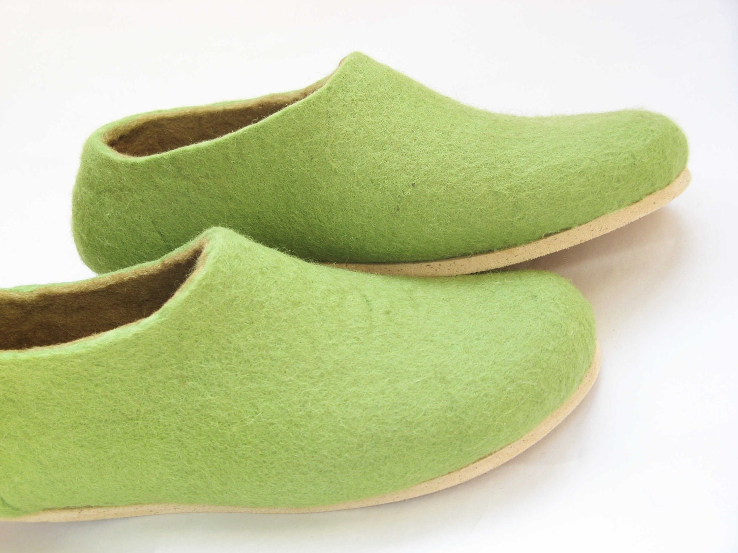 cork sole fixed on felted slippers